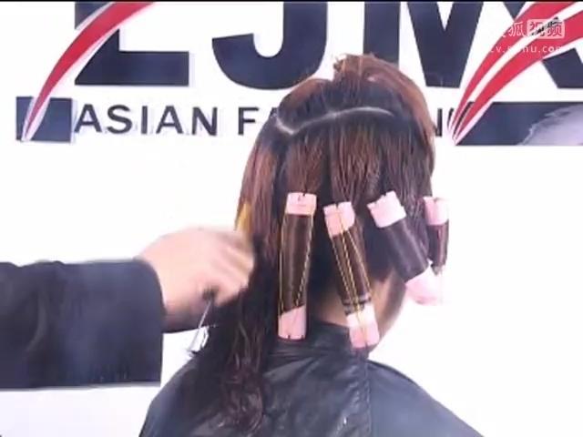 动漫唯美卷发发型图片
