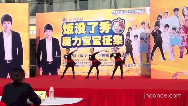 重庆小品雷人教师爆红.搞笑视频笑死人视频集妈妈剪发舞蹈图片