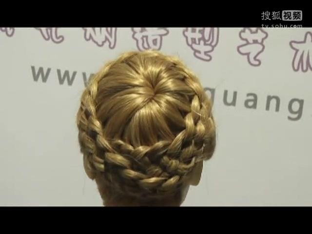新娘盘发造型 简单盘发 中年人盘发视频图片
