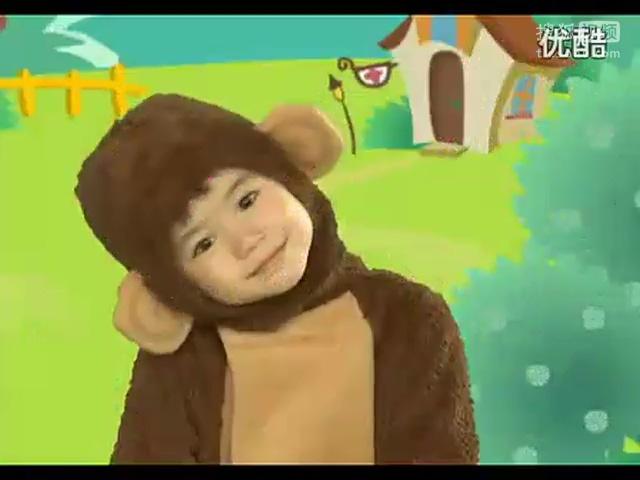 简单小朋友喜欢的幼儿园手指操三只小猴子.flv