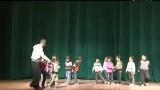 幼儿园中班教案 幼儿园中班体育 有趣的小布袋 129