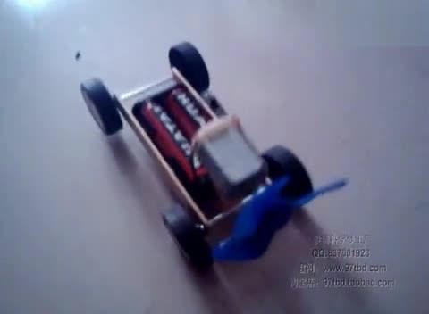 科技小制作小发明,简易巡线小车