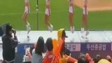 韩国美女拉拉队现场大跳鸟叔绅士摆臀舞高清