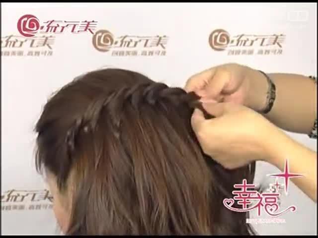 卷发怎么扎 发型简单好看视频