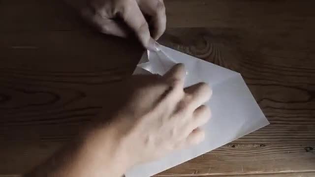 the needle纸飞机