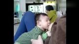关于女人喂老公吃奶图片视频的专题
